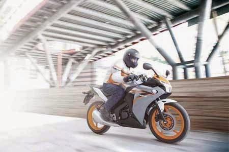 gambar motorsport Honda CBR125R Terbaru