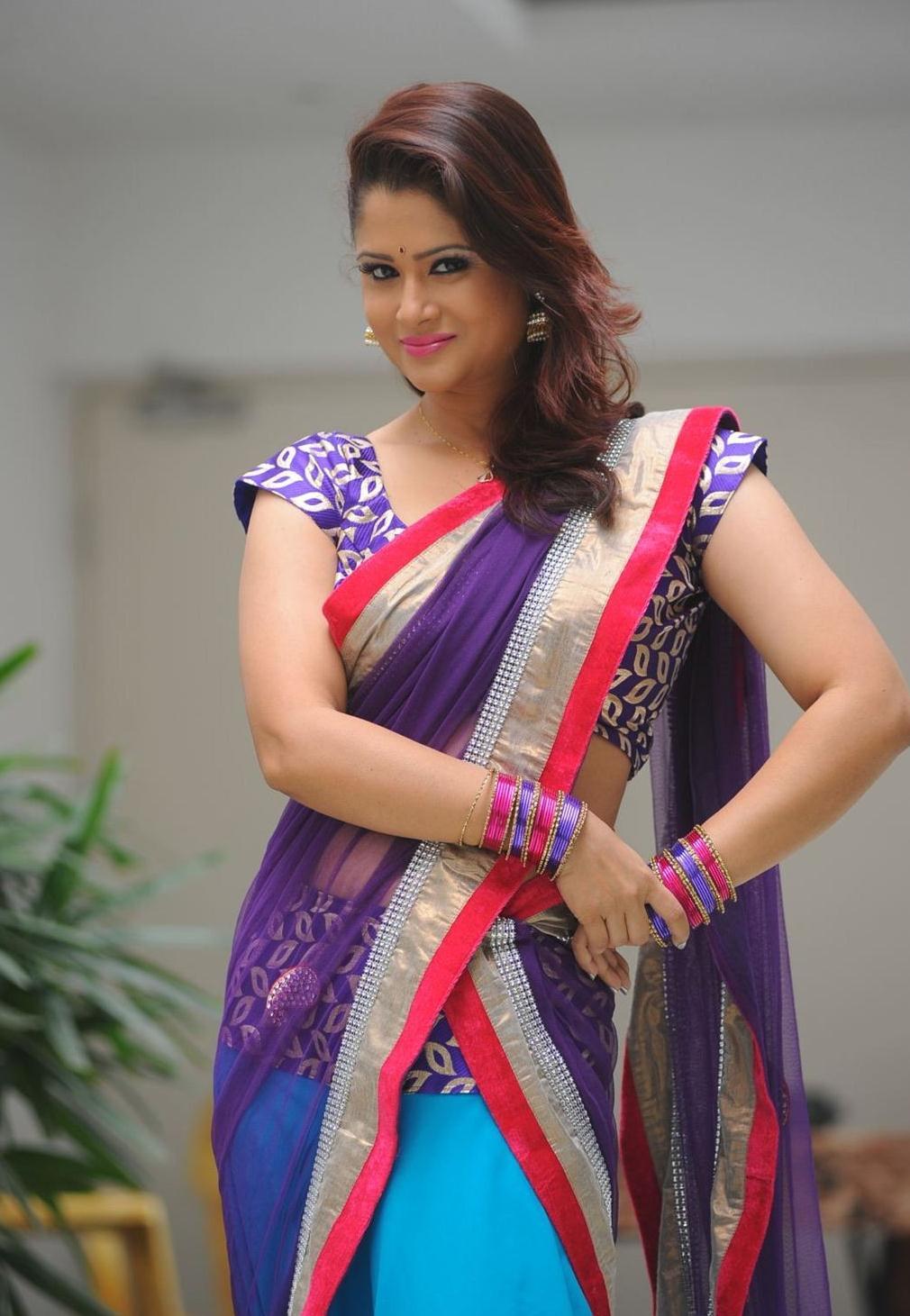 TV-Anchor-Shilpa-Chakravarthy-Stills