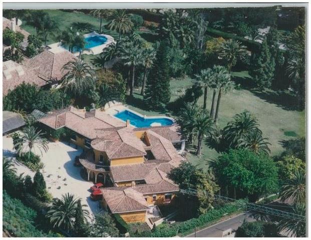 Luxury villa Marbella beachside