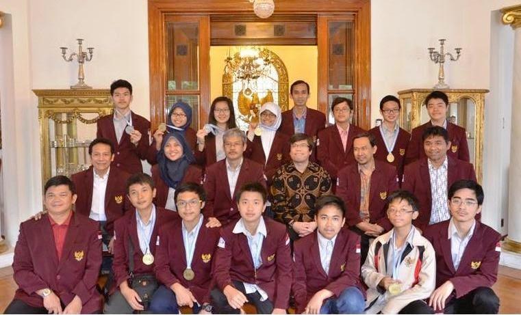 International Junior Science Olympiad 2014