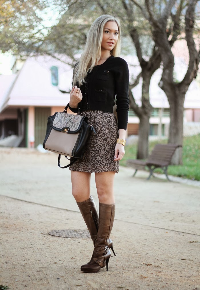 look do dia, look of the day, outfit, animal print, black, leopardo, zebra, píton, cardigan, trendy, padrão animal, padrões, lantejoulas, paetês, camel, high boots, snake skin, píton, patterns, trends fall winter, tendências outono inverno 2013 2014, moda, fashion, blonde girls, blog de moda, portugal, style statement, estilo pessoal, streetstyle, personal stylist