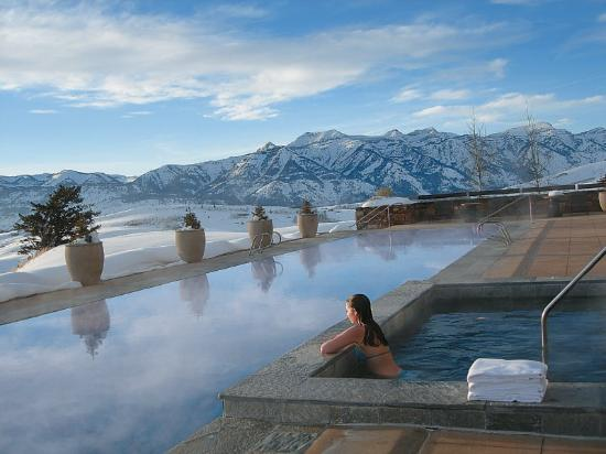 Her world the travel blog top 10 best hotel swimming pools in the world for Top ten swimming pools in the world