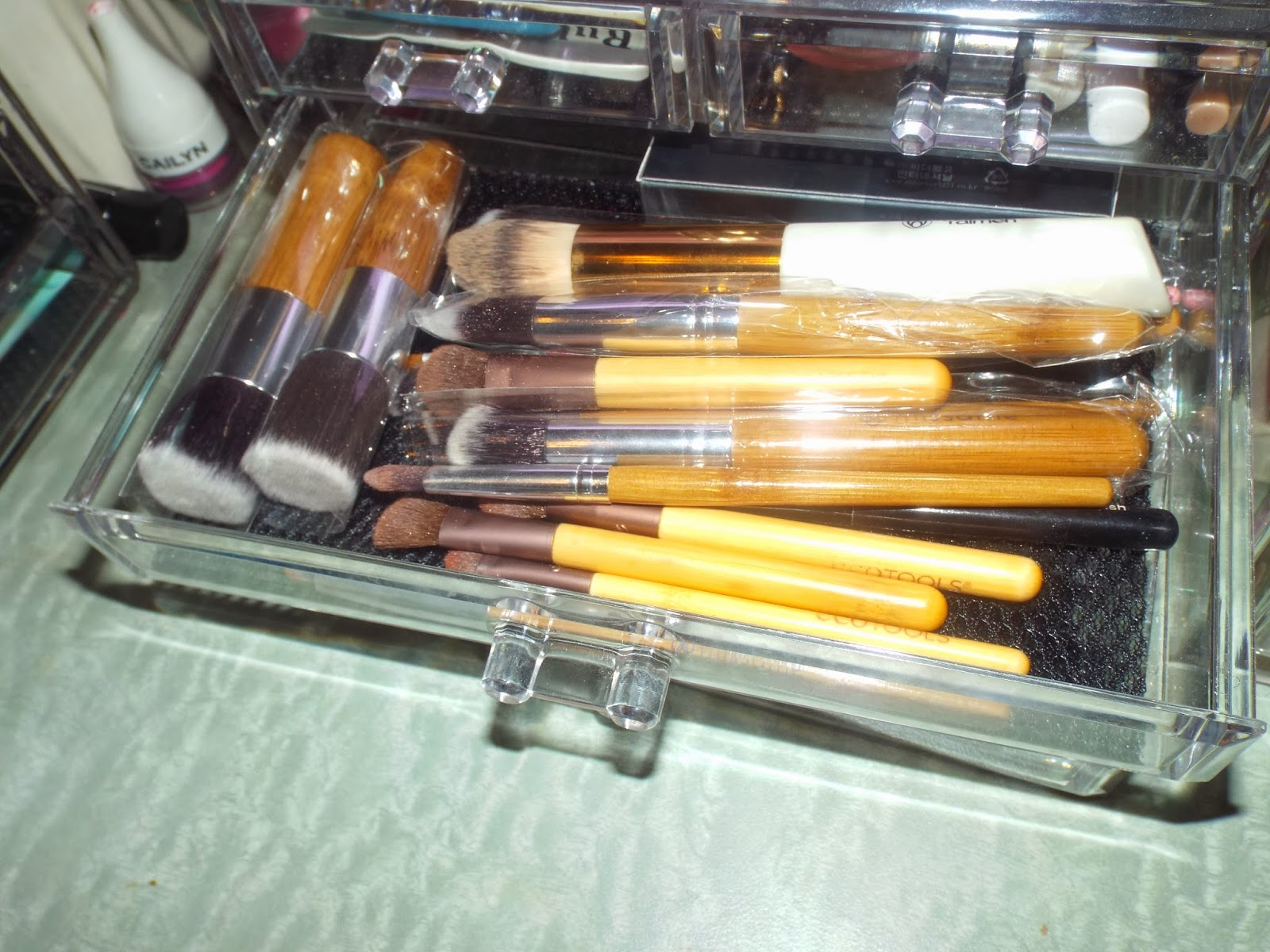 Brushes: Storage Solutions