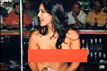 Sunny Leone's Strip Sexy Nude Photos