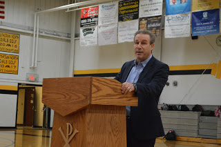 Ken Daniels Visits North