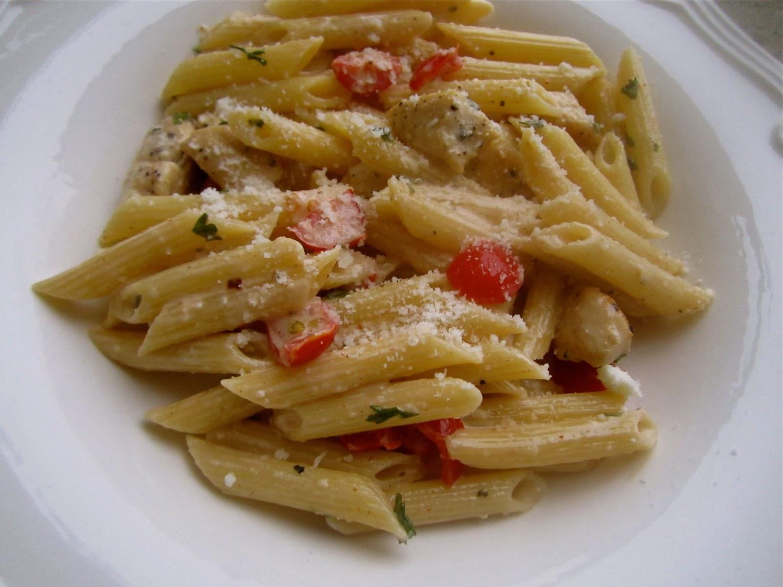 Stephanie Cooks: Creamy Cajun Chicken Pasta