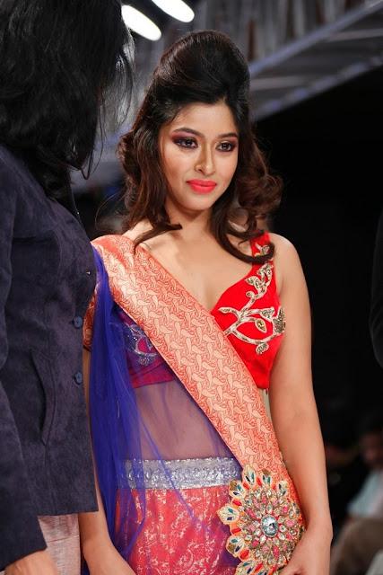 payal ghosh at blenders pride fashion week