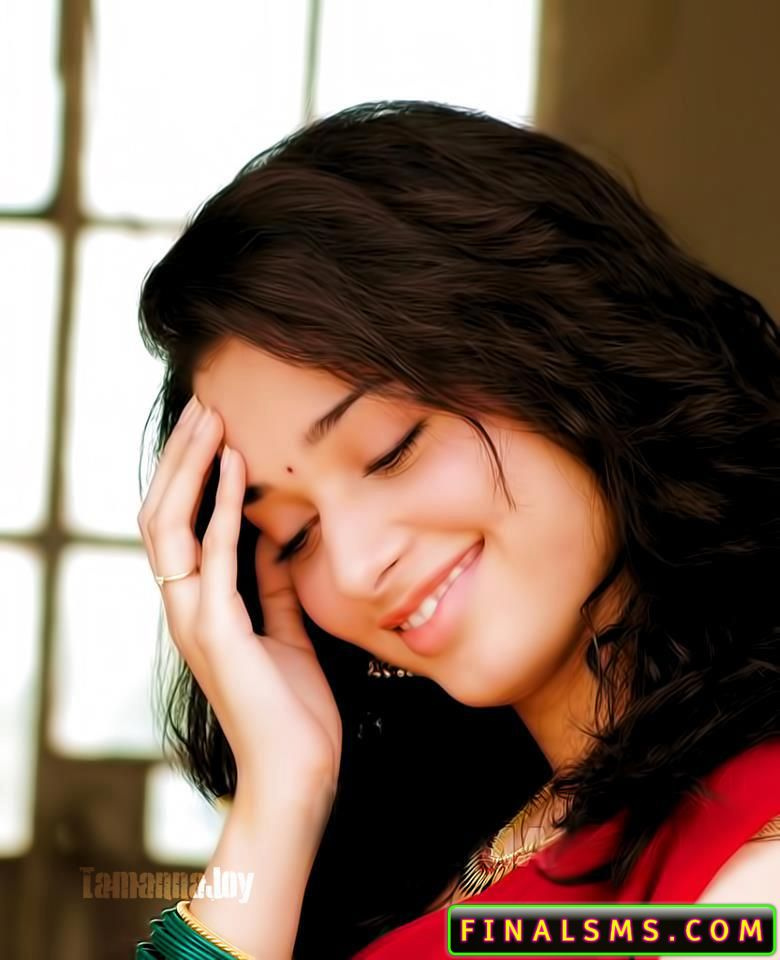 Tamanna bhatia wallpaper in saree and dress facebook for Hot fb pictures