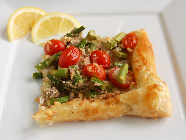 asparagus, tomato, and anchovy tart paired with dogfish head 60 minute ipa