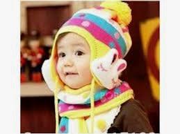 foto lucu anak kecil pakai topi