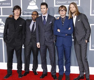 Maroon 5 featuring Wiz Khalifa - PayphoneMaroon 5 1997
