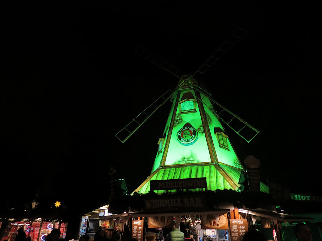 Chrismas market hyde park london windmill