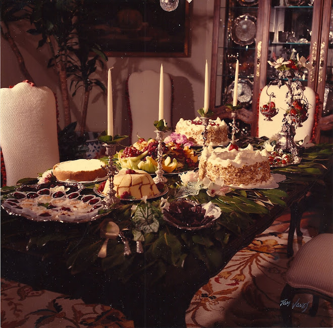 Hall_Of_Fame_Catering_Dessert_Table