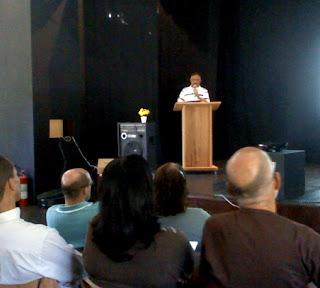 Pastor Arnou dos Anjos em palestra durante o 1º Fórum O Caminho da Paz