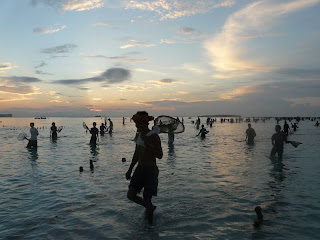 """Festival Menangkap """"Nyale"""" di Lombok"""