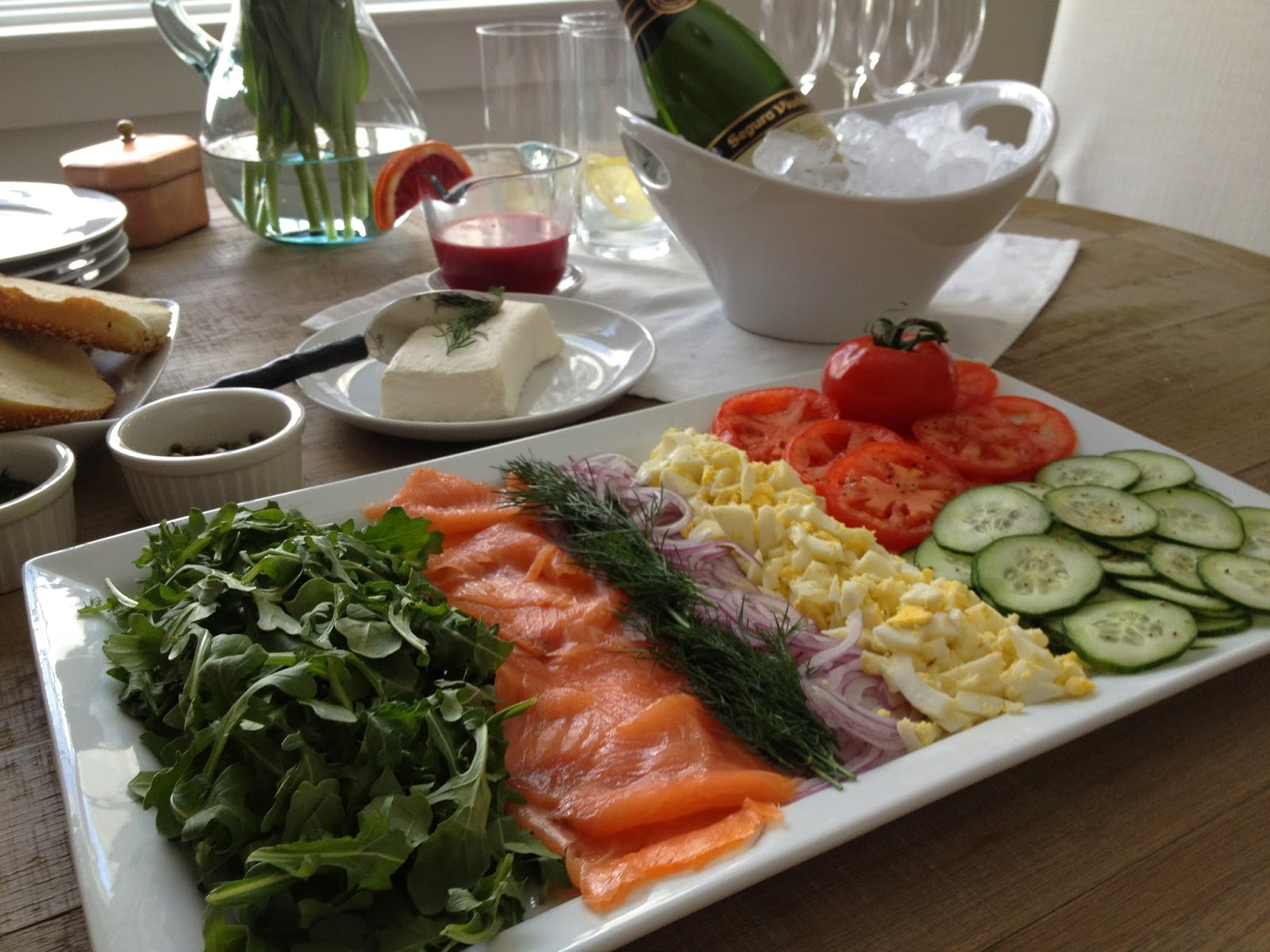 ideas for serving smoked salmon home cooking chowhound. Black Bedroom Furniture Sets. Home Design Ideas