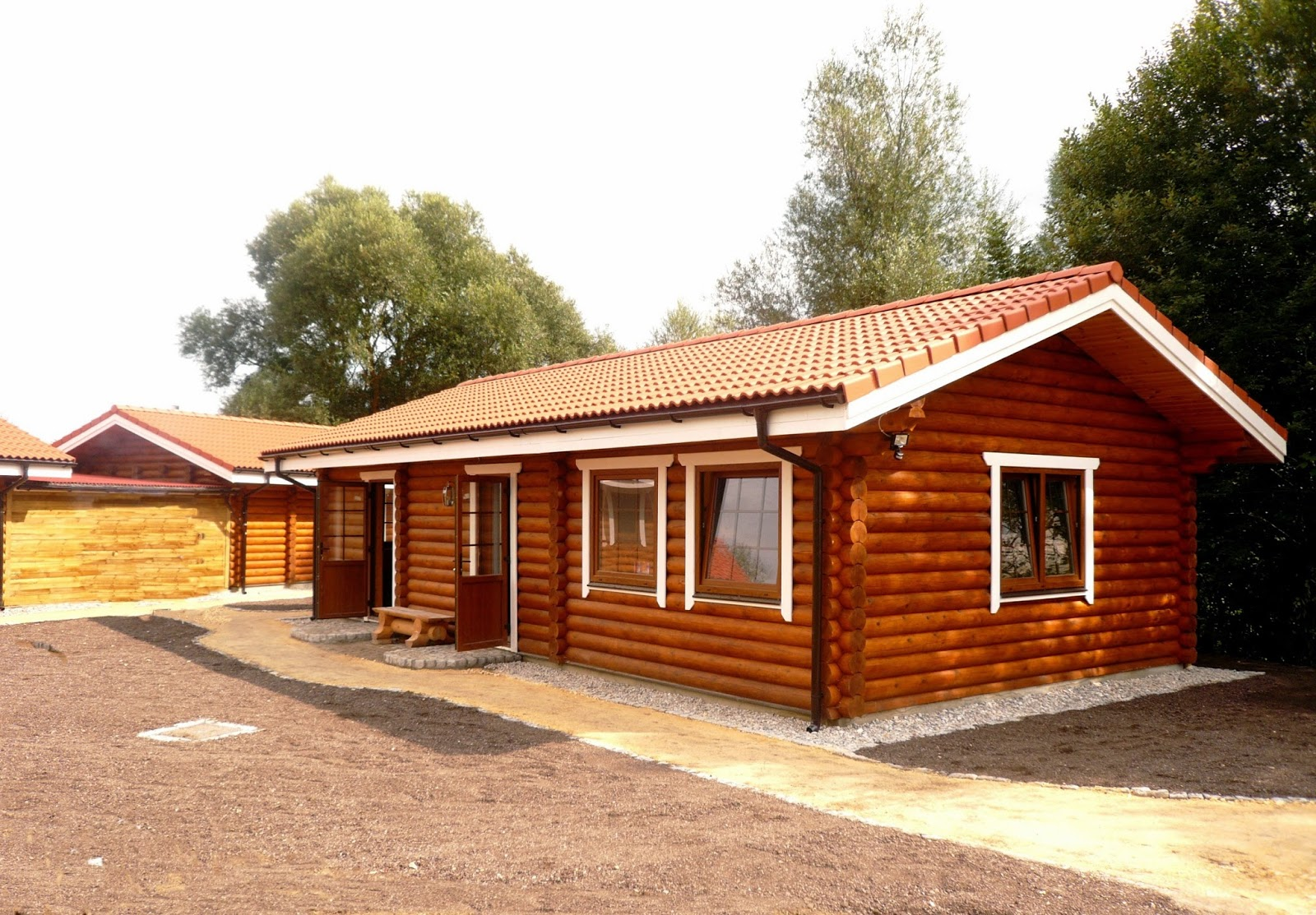 Building Eco Wooden House  Round Logs Wooden Houses