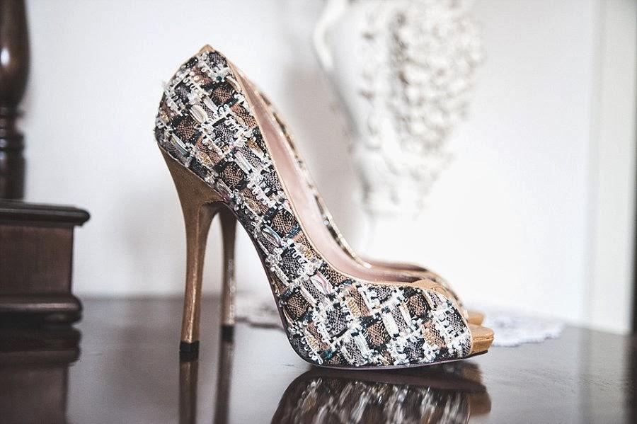 Le scarpe della sposa, by Cazabat