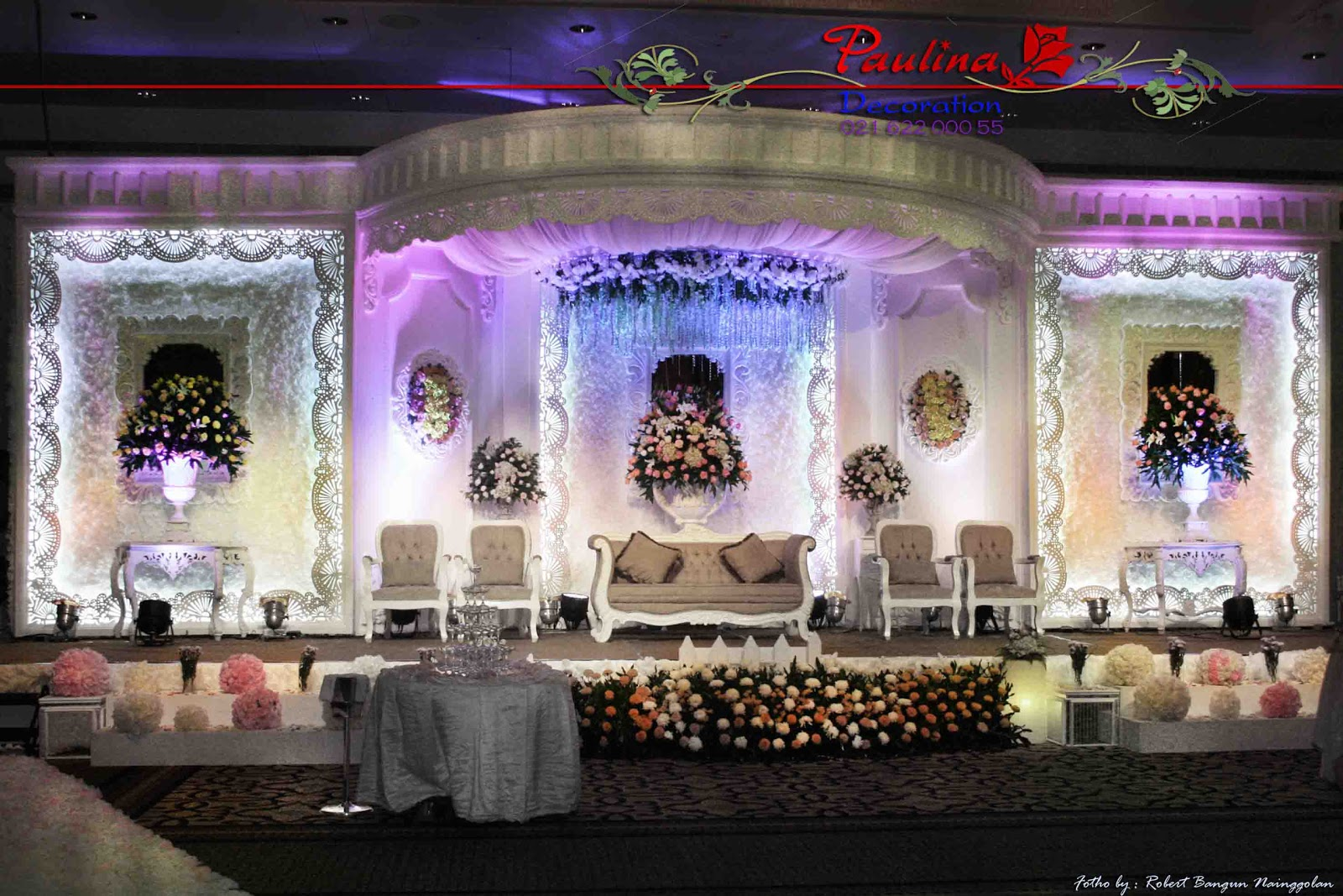 Dekorasi wedding paulina 2012 since our beginning in 1990 paulina has become one of the most recognized decoration florist anf gift of exceptional wedding furnishings lighting and junglespirit Gallery