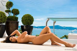 micheli burate 59 Michele Burate deliciosamente pelada