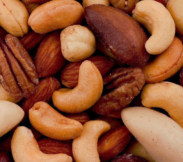 Nut consumption associated with reduced risk of some types of cancer