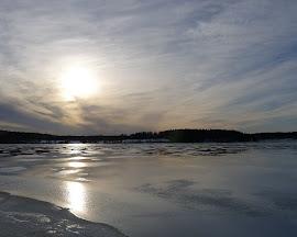 Islossning i motljus, Lindesjön, mars 2011