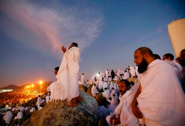 Hadits-Hadits Amal Setara Haji dan Umrah yang Shahih