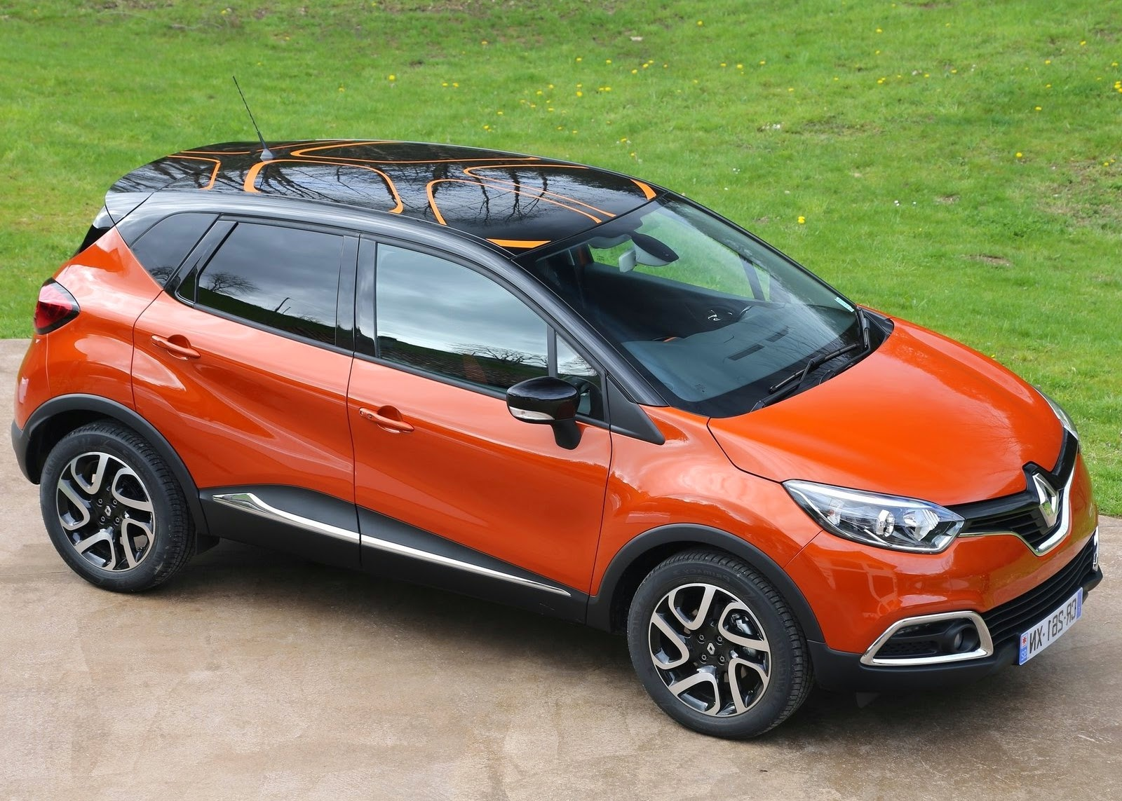 renault captur 0 9 tce 90 3 cylinder 900cc turbo car. Black Bedroom Furniture Sets. Home Design Ideas