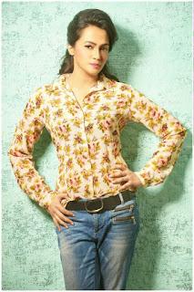 Actress Malvena glamorous Pictures 006.jpg