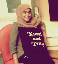 My sacred kneel and pray