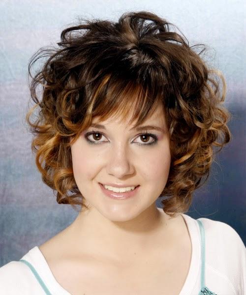 Peinados de Mujer con Cabello Ondulado Corto, parte 1