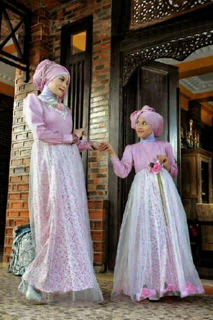 Gaun Pesta Muslim Modern