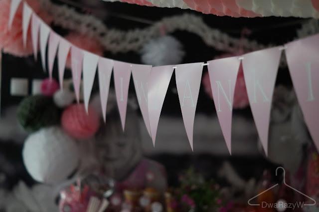 girlanda urodzinowa z papieru