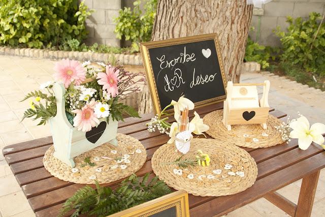 Mesa escribir buenos deseos para los novios by Fiesta y chocolate