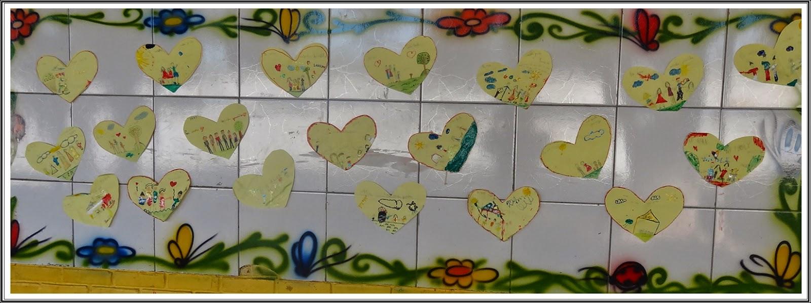 Imagine um lugar ec10 murais fam lia for Bordas para mural