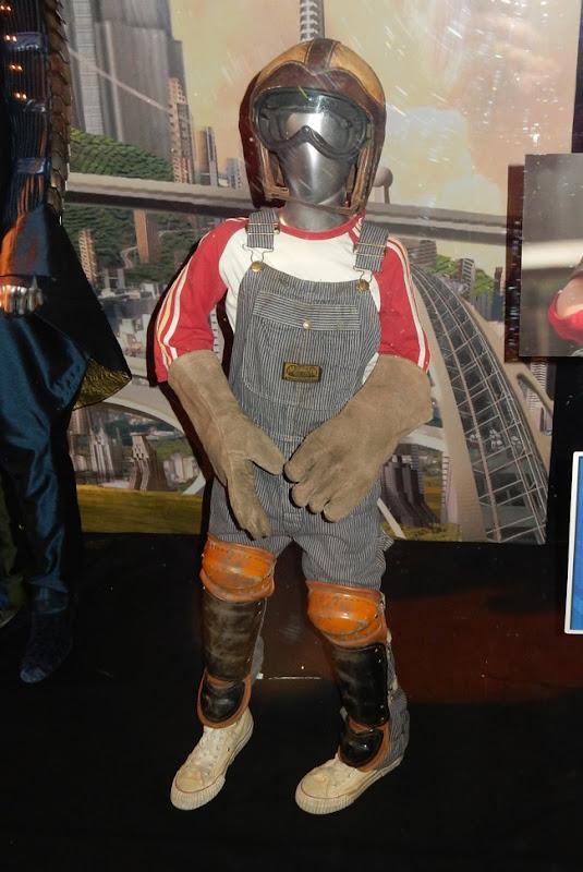 Thomas Robinson Tomorrowland Young Frank costume