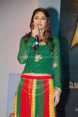 Ileana photos from stage dance