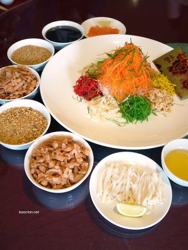 Abundance of Nobility Salmon & Abalone Yee Sang