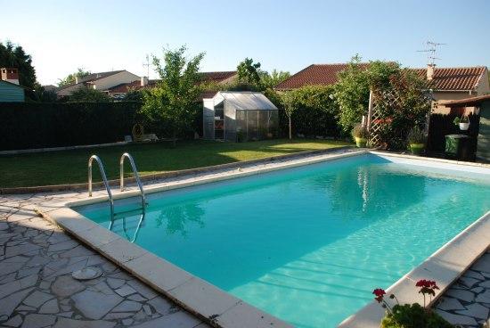 El hogar bricolgage y decoraci n construcci n piscina for Limpiadores de piscinas