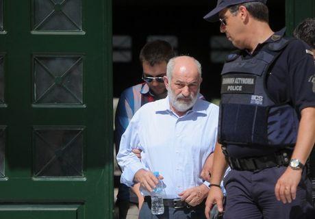 Εξοπλιστικά: Ένοχοι οι Σμπώκος, Κάντας και Λεονταρίτης για τις μίζες