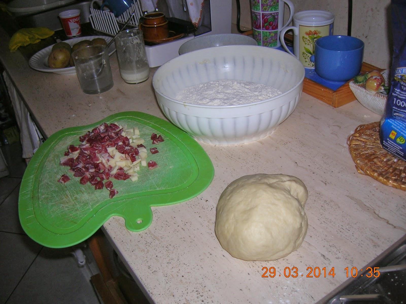 panini di patate  e prosciutto crudo  con formaggio-  quiche  di ricotta e verdure