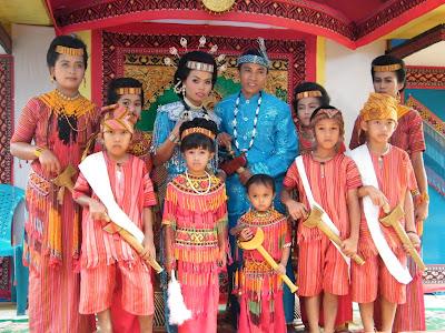 Bolu Livestock Market and Torajan Wedding Ceremony at Nanggala เที่ยวตลาดขายสัตว์ที่โบลู และงานแต่ง