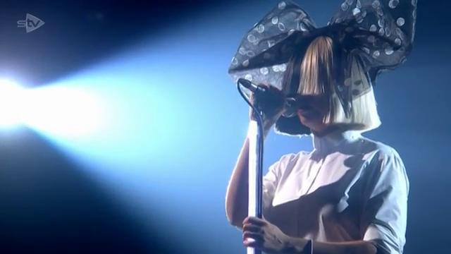 Sia Sings Alive On X Factor UK VIDEO