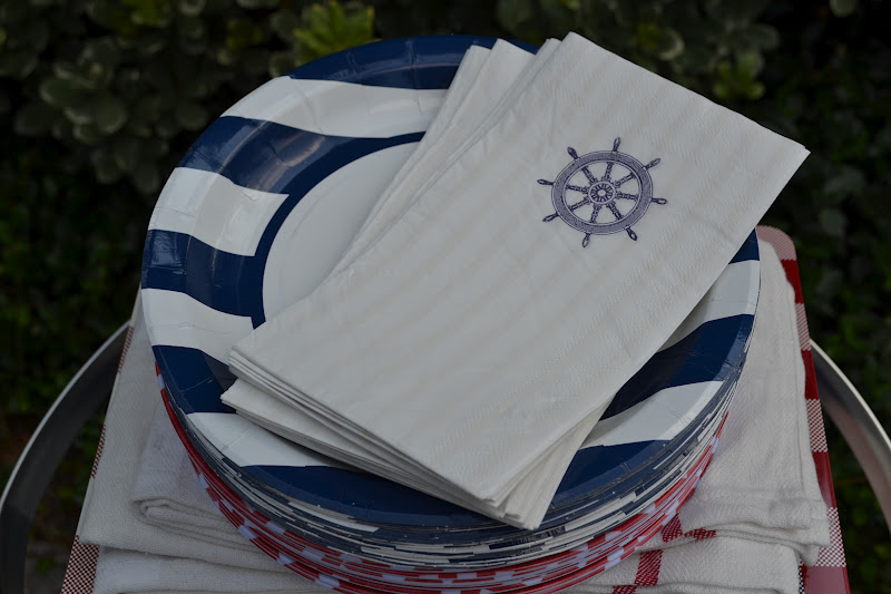 Prefer paper products for your picnic? These nautical plates and napkins came from the dollar section at Michael\u0027s too! & Three Pixie Lane: 1950\u0027s Style Picnic Basket