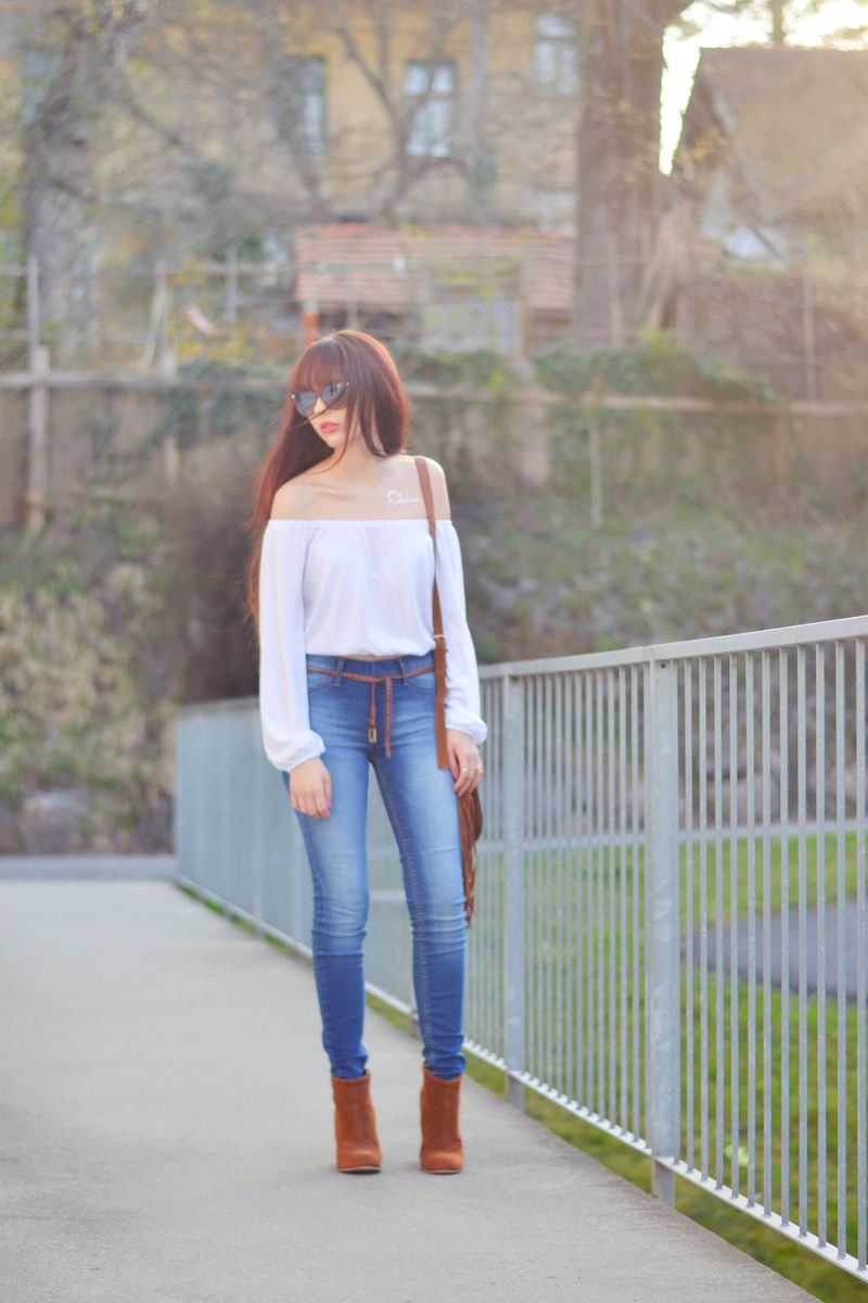 Outfit_highwaisted_Jeans_Crop_Top_schulterfrei