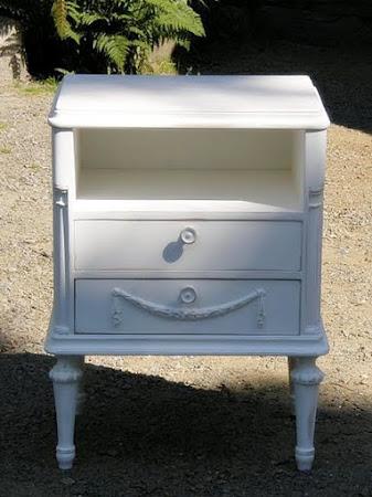 Jag målar också möbler på beställning