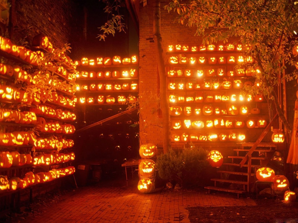 http://3.bp.blogspot.com/-_nBe7R71QCQ/UHz973ZthgI/AAAAAAAAHpA/UCK5wpM5g4U/s1600/Halloween%2BDesktop%2BWallpaper%2BFree%2B001.jpg