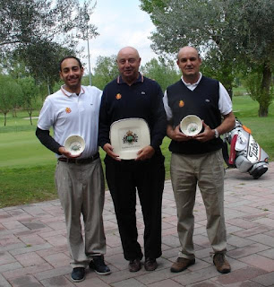 Andres Pastor (centro) lider del Ranking Nacional Pitch & Putt