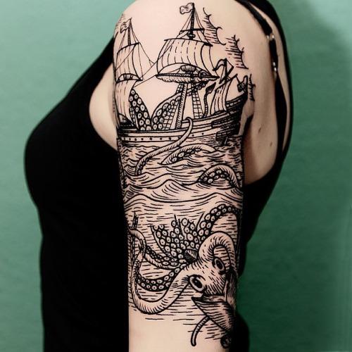 Tatuagem Mar, Navio e Polvo