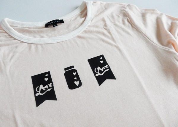 customiser un t shirt avec du tissu thermocollant et une machine de coupe caro dels blog diy. Black Bedroom Furniture Sets. Home Design Ideas